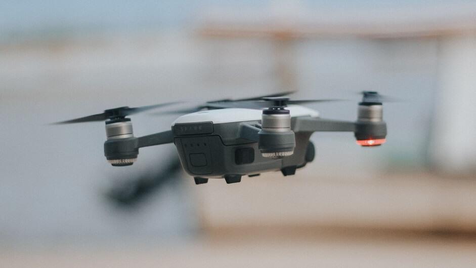 cómo volar drones codigo iot sensores